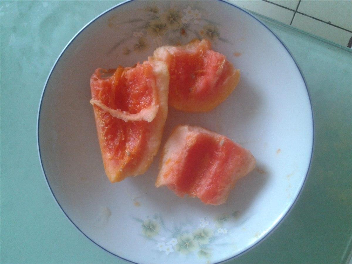 水果拼盘/今天在超市里买了木瓜、青提、香蕉、西瓜。做了一个水果拼盘,...