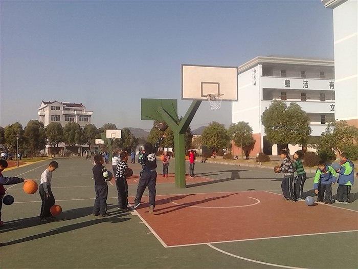 小学篮球投篮活动方案。